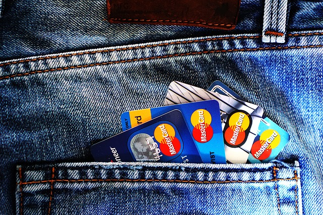 How Does a Rewards Credit Card Work?